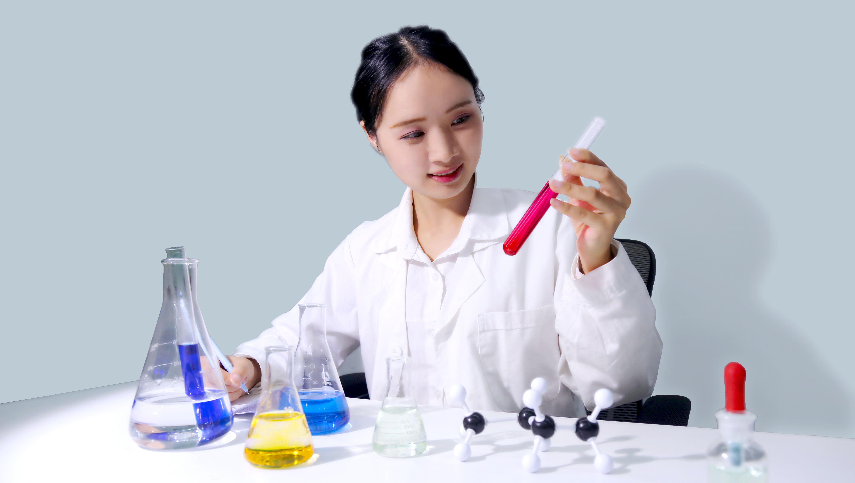 问题指甲油遭曝光 化妆品安全检测不容轻视